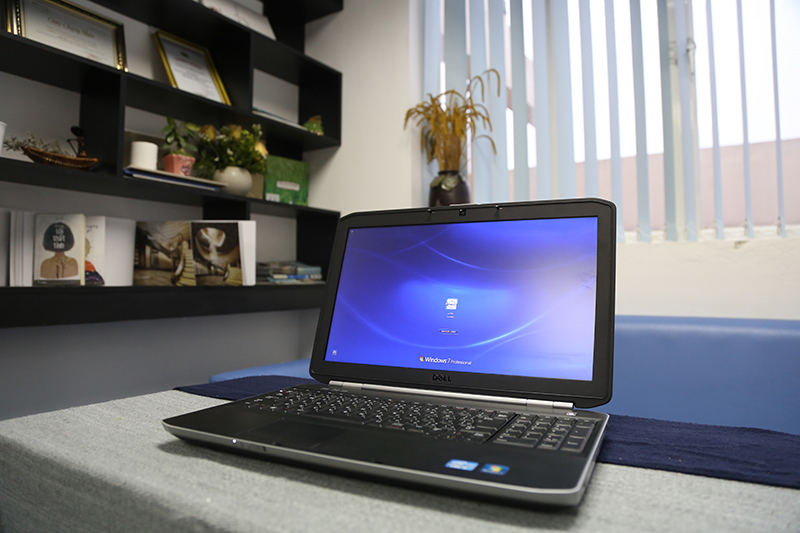 Laptop cũ Dell Latitude E5520